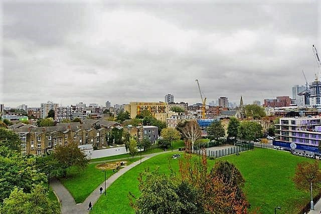 London Academic Apartment Rental - Park